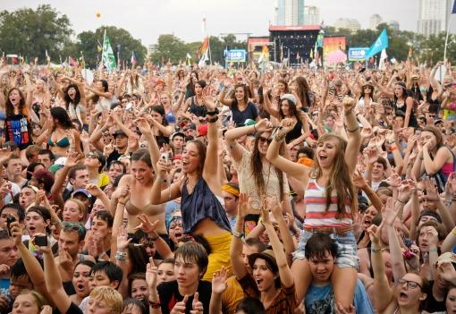 crowd_je